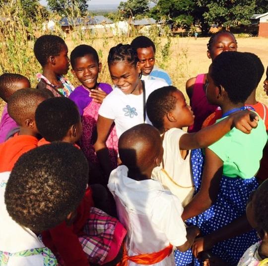 Звездное воссоединение: Мадонна вместе с сыном Рокко путешествует по Кении