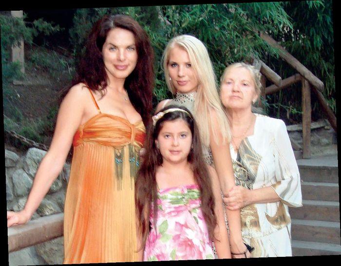 Воала Литовченко с семьей отдых