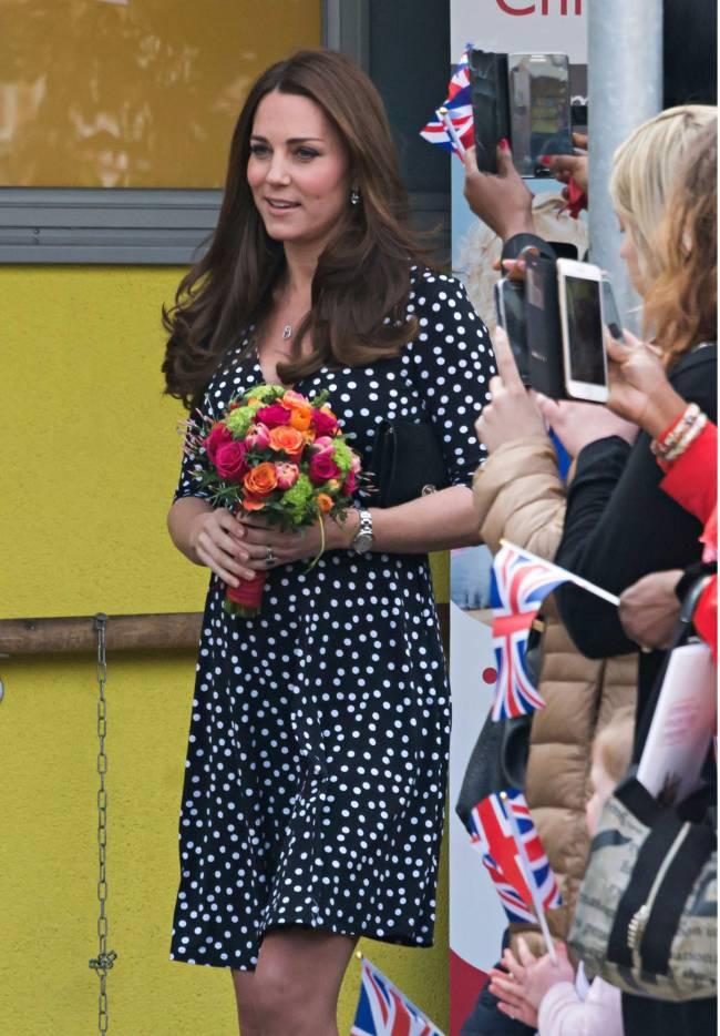 Накануне рождения второго ребенка Кейт Миддлтон посетила детский центр