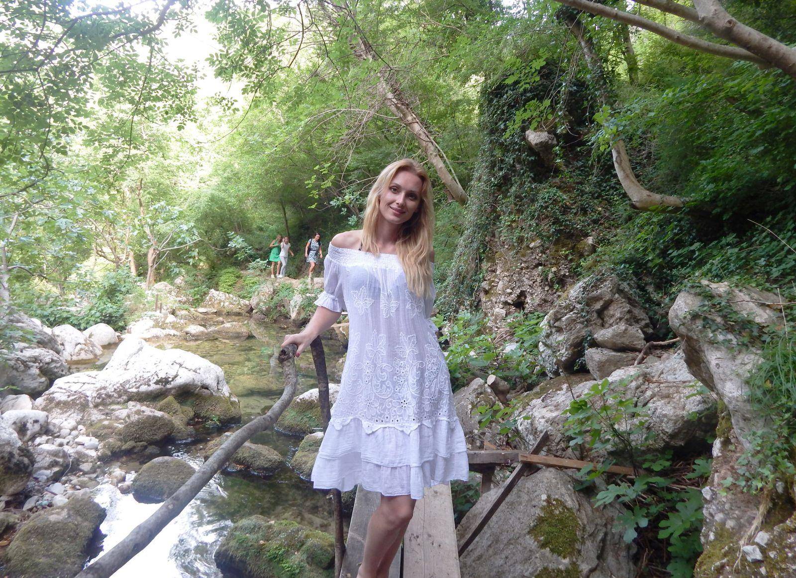 Победительница Х-фактора шикарно отдохнула в Черногории