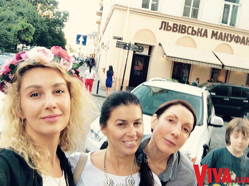 Снежана Егорова с детьми отдыхает во Львове