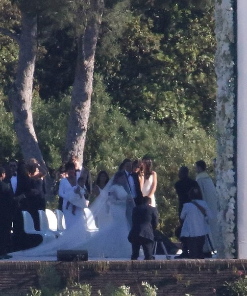 Ким Кардашьян вышла замуж