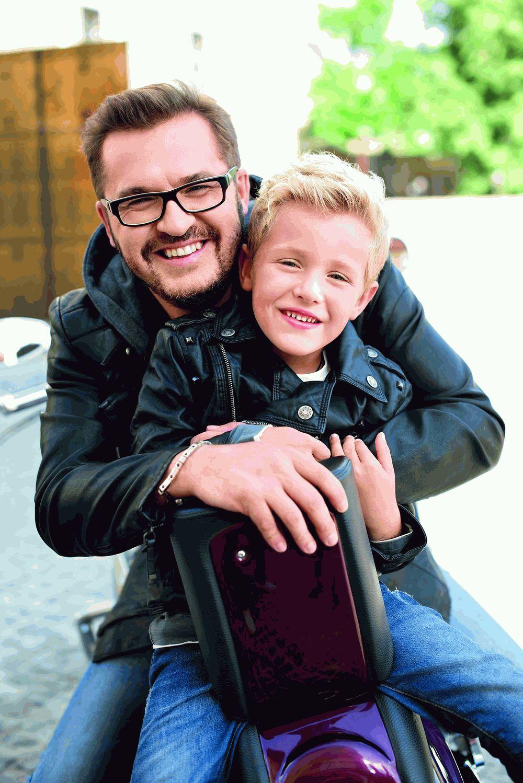 Александр Пономарев с сыном