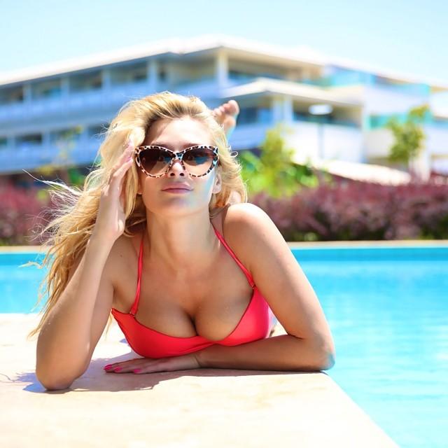Татьяна Котова похвасталась сексуальной фигурой