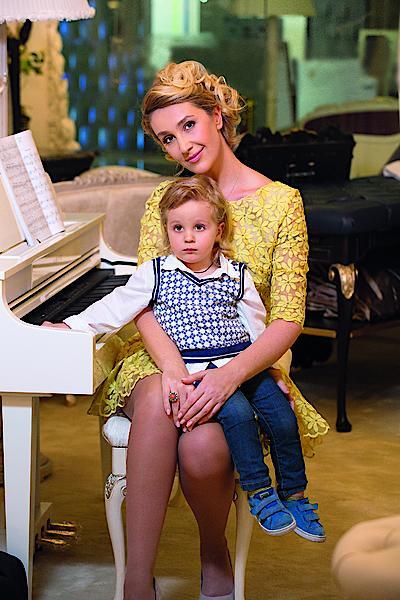 Снежана Егорова с сыном в фотосессии Viva!