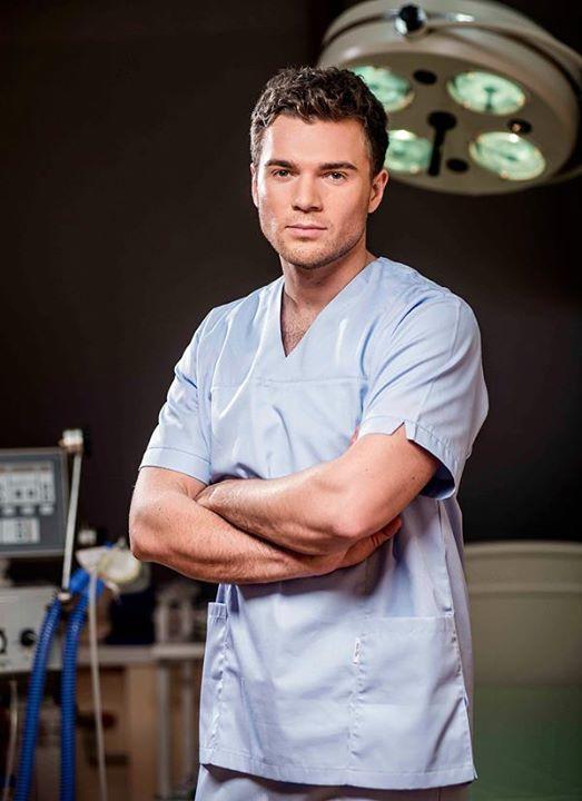 Андрей Искорнев хирург
