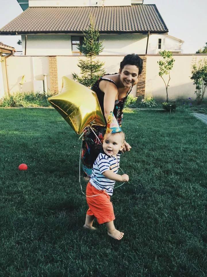 Тала Калатай с сыном