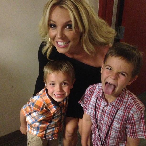Бритни Спирс опубликовала семейное селфи