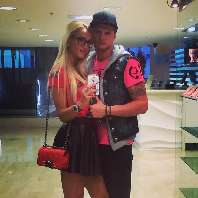Ольга Бузова сходила с мужем на парное свидание
