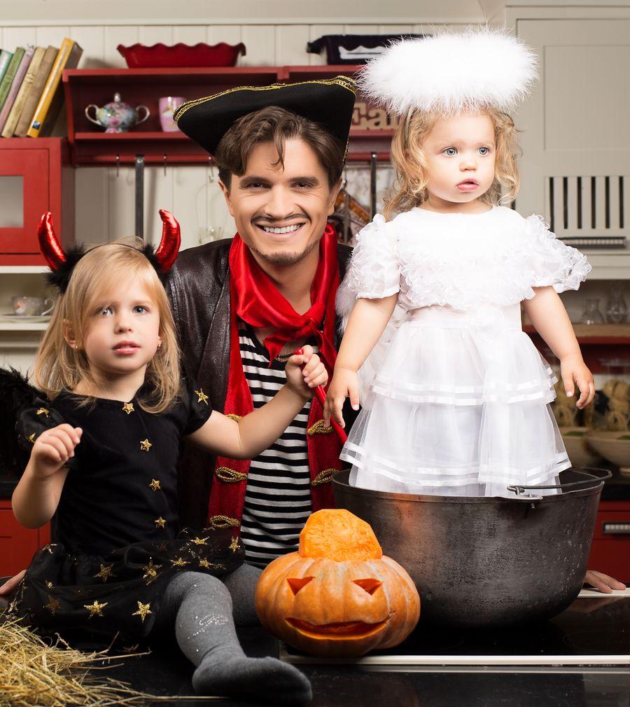 Анатолий Анатолич с детьми