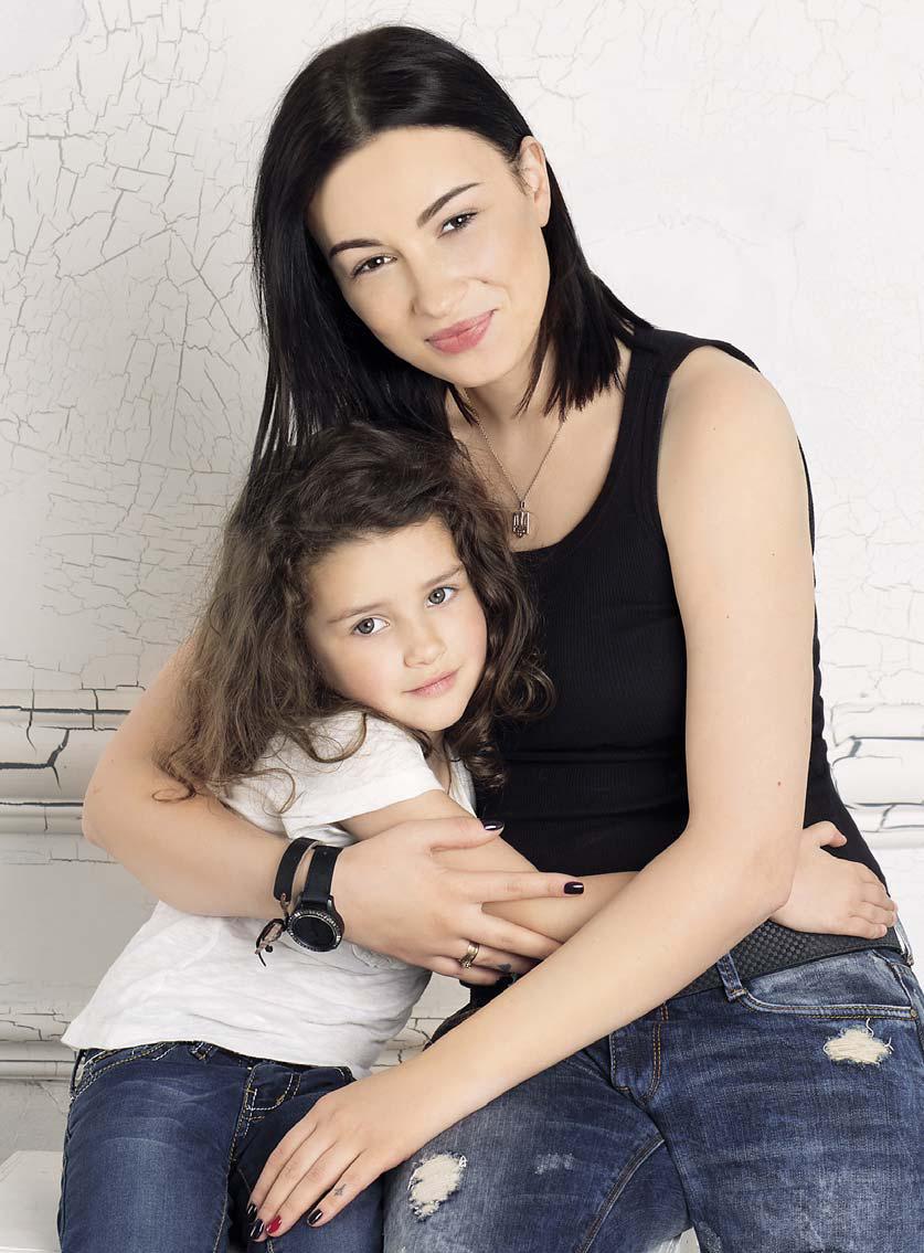 Анастасия Приходько и ее дочь