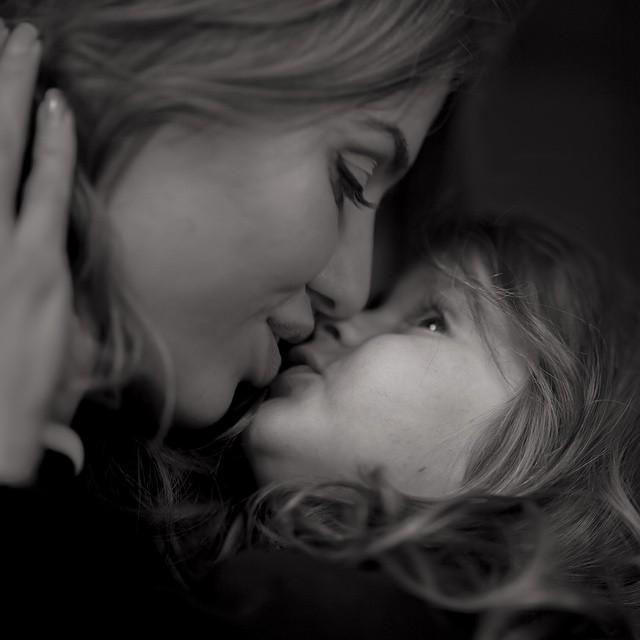 Виктория Боня не может оторваться от любимой дочурки