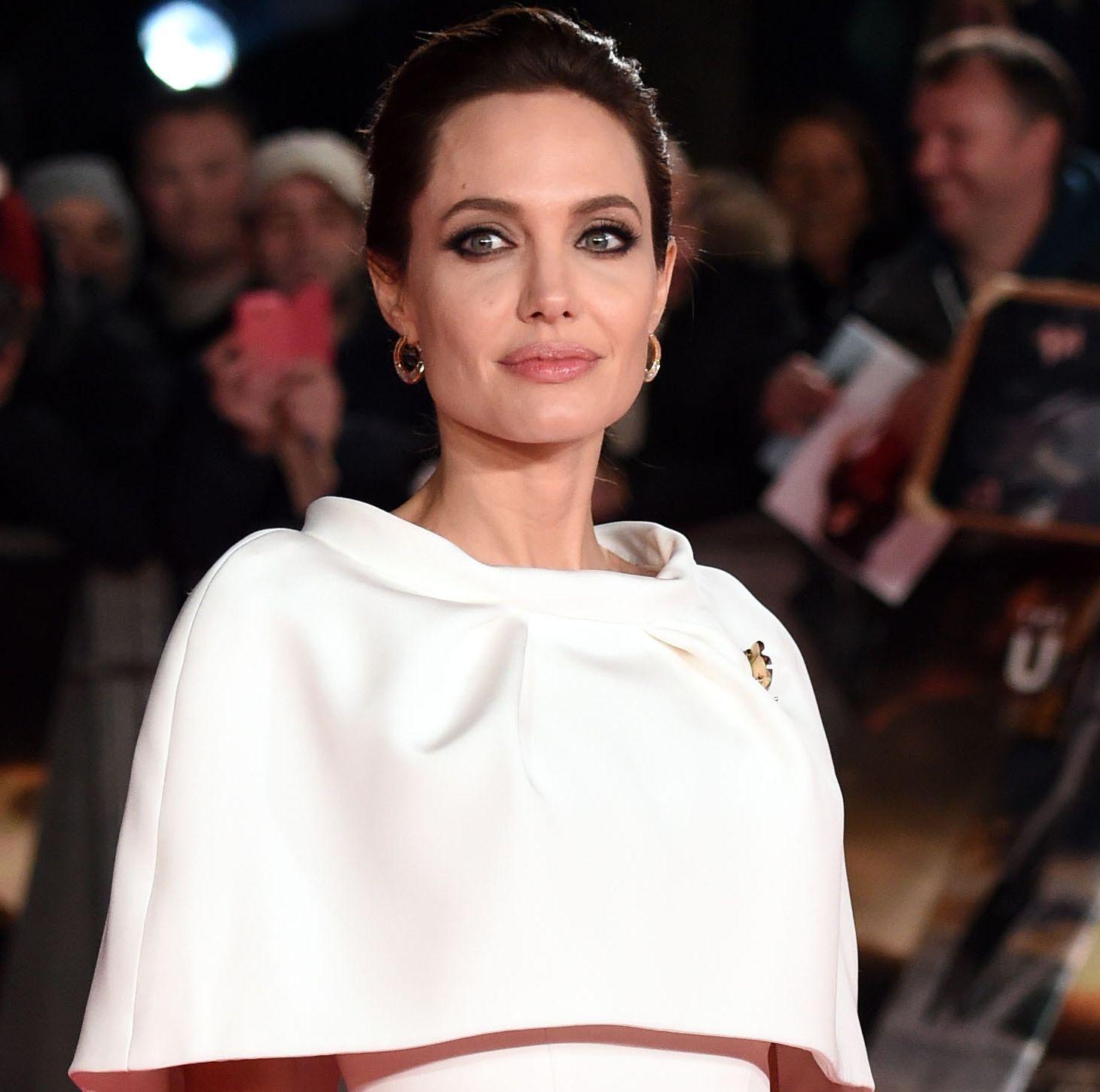 Анджелина Джоли блистает на премьере своего фильма