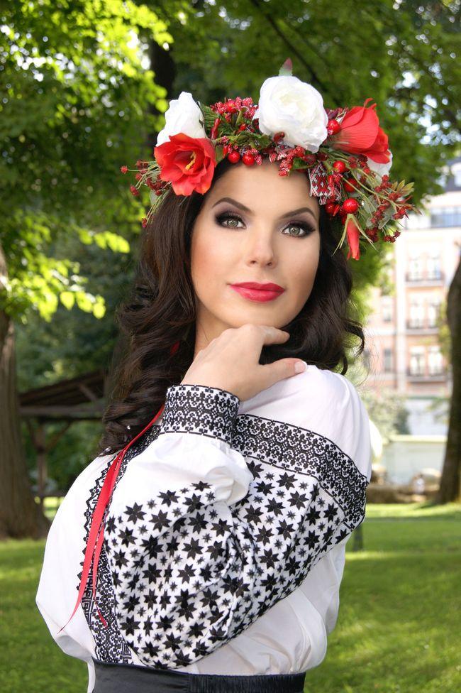 Влада Литовченко и ее цветочные обереги