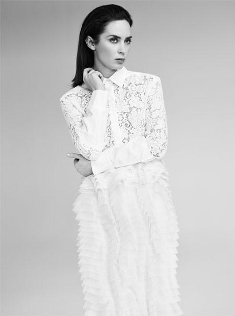 Эмили Блант снялась в новом фотосете для онлайн-глянца