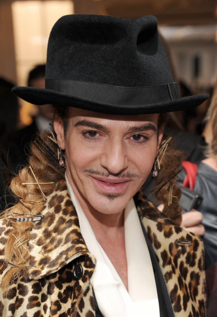 Джон Гальяно устроил в Лондоне первый показ после четырех лет опалы