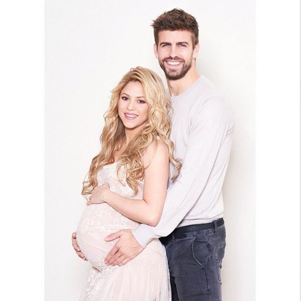 Беременная Шакира и Жерар Пике снялись вместе с сыном для благотворительной программы ЮНИСЕФ