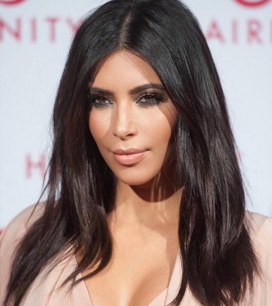 Скандальное бикини из меха: у Ким Кардашьян проблемы с защитниками животных