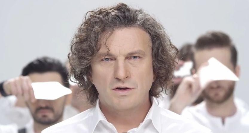 Кузьма Скрябин представил новый клип Дельфины за день до смерти