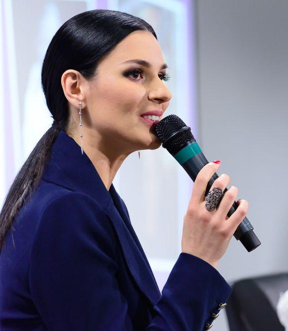 Маша Ефросинина и Катя Осадчая собрали более 130 тысяч гривен для детей-инвалидов