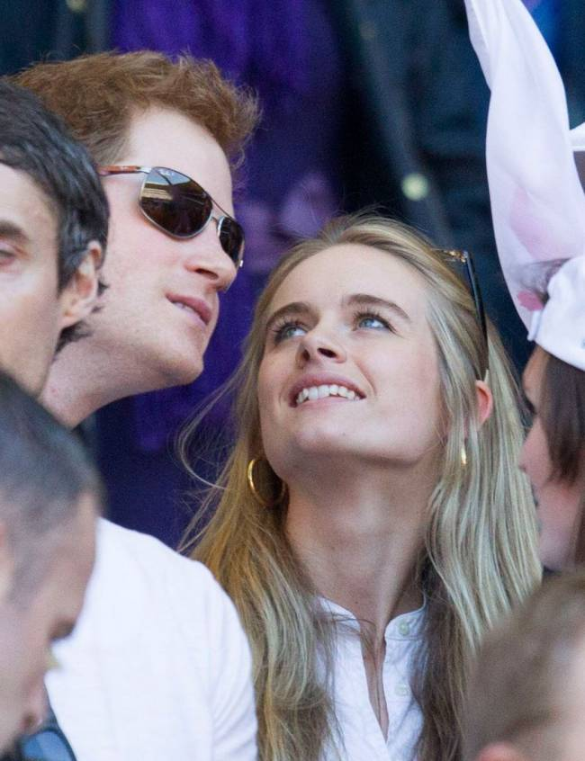 Экс-возлюбленная принца Гарри станцевала в рекламе модного бренда