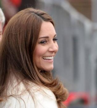 Кейт Миддлтон обвинили в том,что ее наряды скучные
