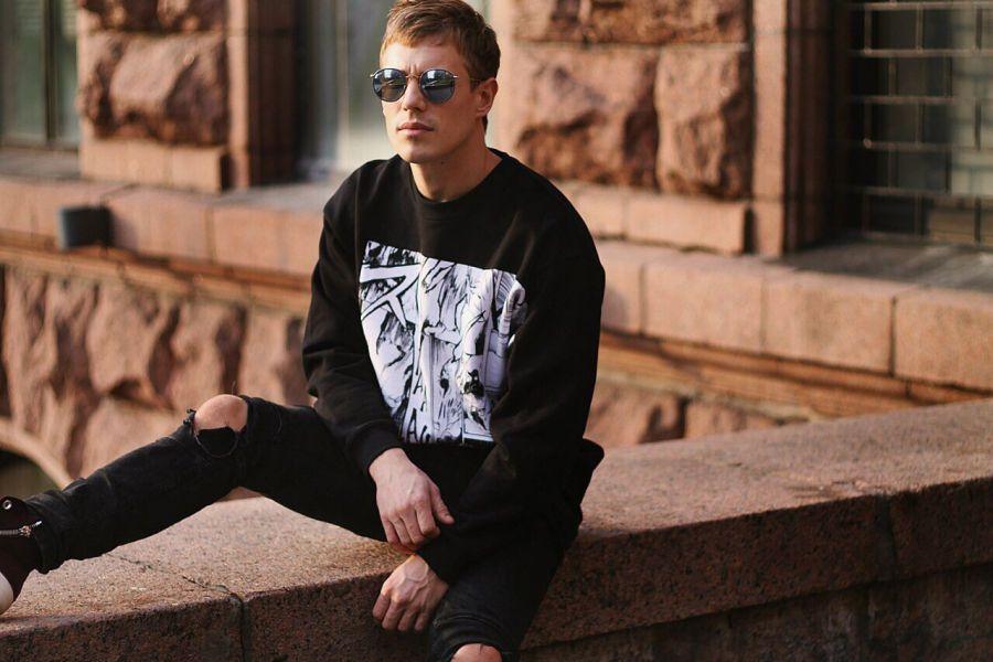 Вадим Олейник начал сольный проект OLEYNIK