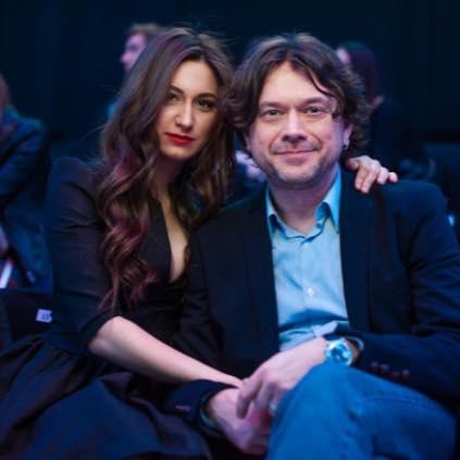 Остап Ступка женился на студентке
