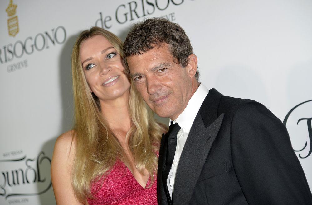 Влюбленный Антонио Бандерас с новой подружкой на Каннском фестивале