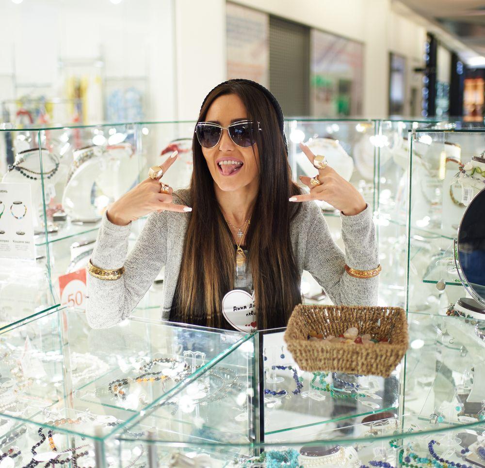 Анна Добрыднева на благотворительном шопинге FashionABLE Shopping