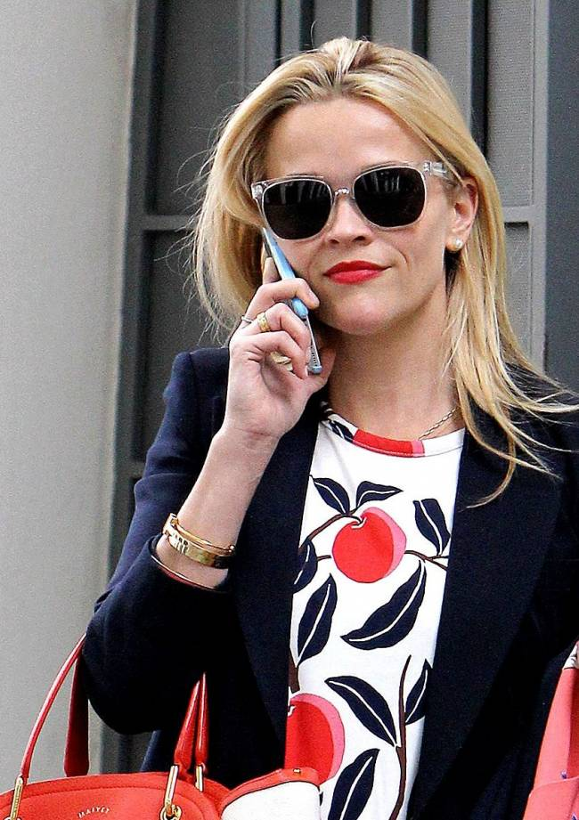 Риз Уизерспун демонстрирует идеальный стиль в Лос-Анджелесе