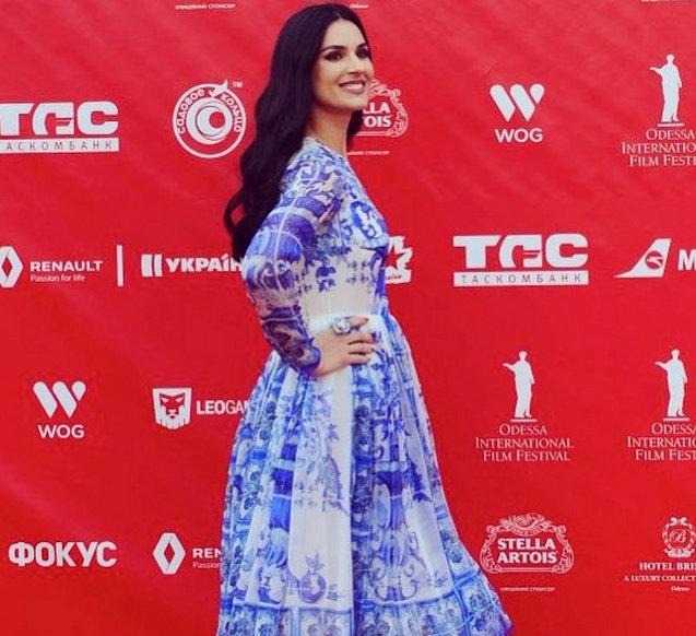 Маша Ефросинина купила шикарное платье Dolce&Gabbana за 75 тыс. грн