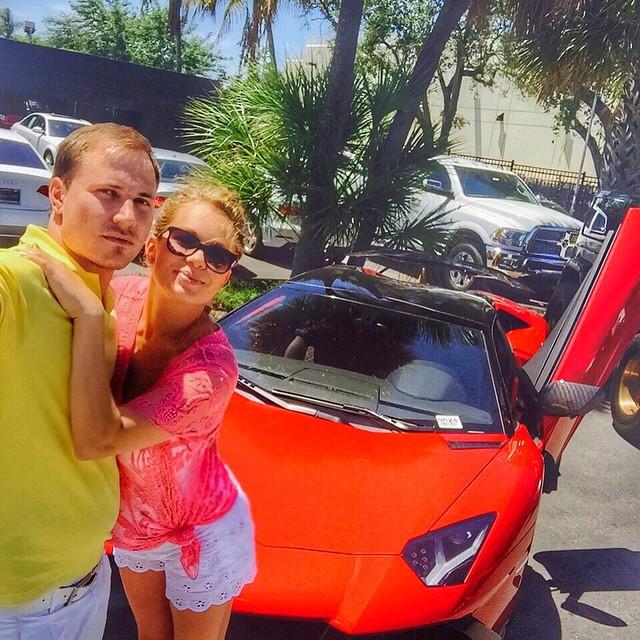 Яна Соломко и ее муж в Майами