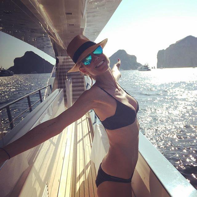 Жизнь - это пляж!: Хайди Клум показала фото с отдыха