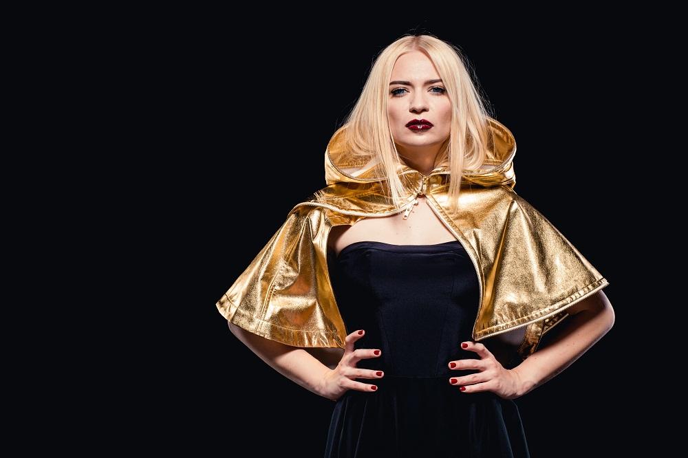 Alloise выпустила новую песню