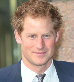 Королевский дебют: принц Гарри снялся в фильме о регби
