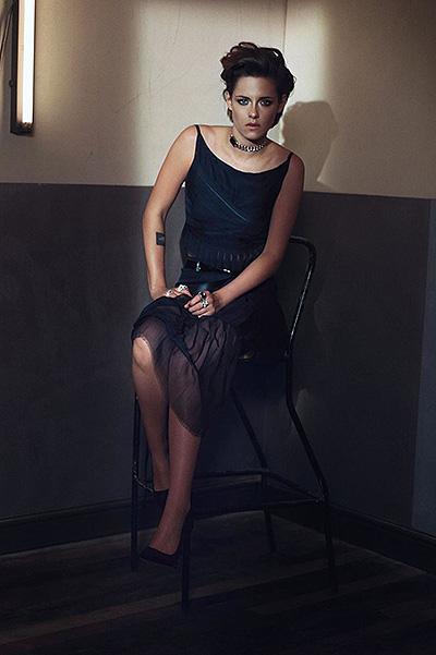 Кристен Стюарт полностью обнажилась для фотопроекта Марио Тестино