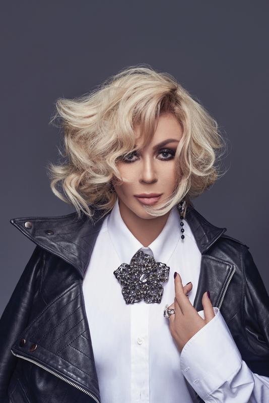 Ирина Билык показала роскошную фигуру в новой фотосессии