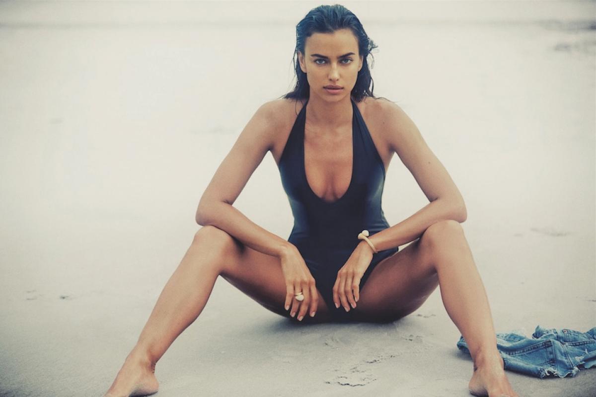 Ирина Шейк показала соблазнительные формы в откровенном видео на пляже