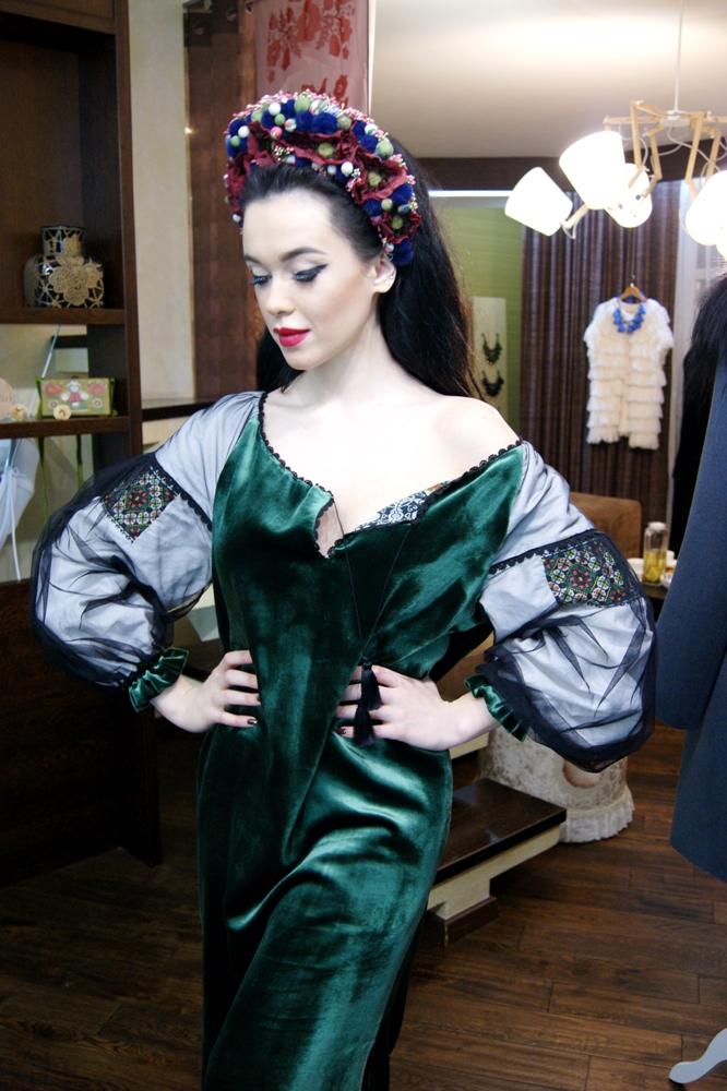 Мария Яремчук выбрала роскошный новогодний наряд