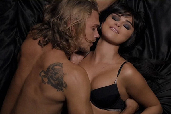 Видео сексуальные поцелуи