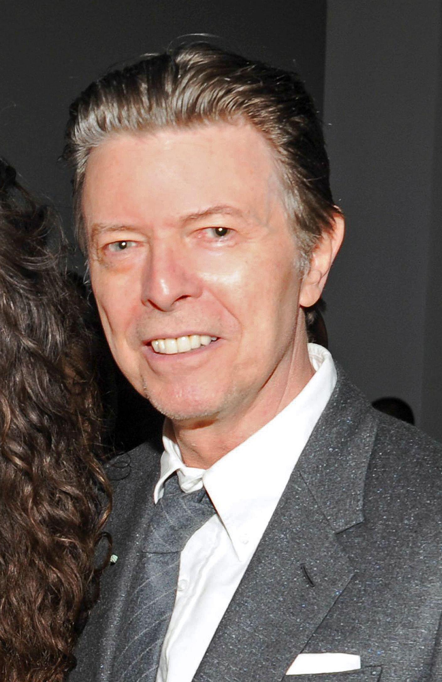 Умер 69-летний музыкант Дэвид Боуи