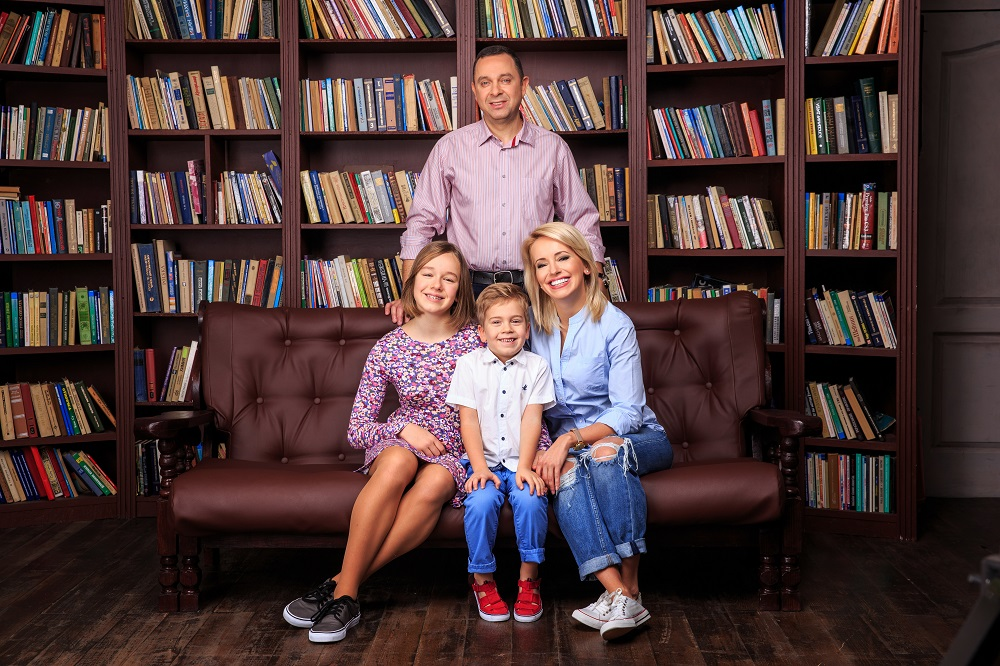 Оксана Гутцайт с мужем и детьми