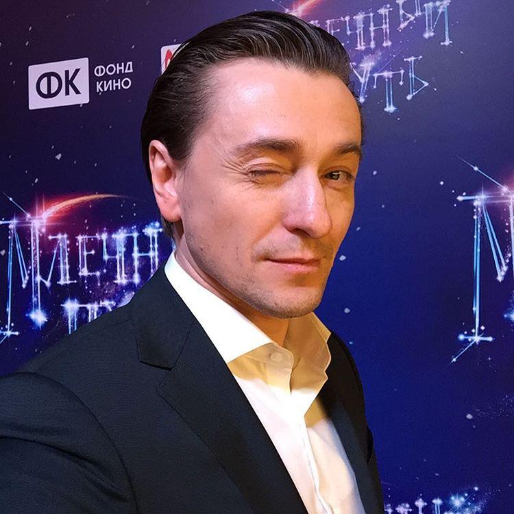 Сергей Безруков снялся в романтической фотосессии со свой новой пассией