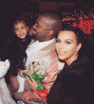 Папина дочка: Ким Кардашьян поделилась трогательным фото Норт и Канье Уэста