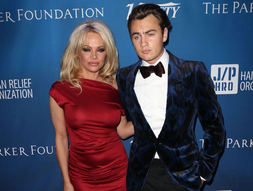 Памела Андерсон и ее сын Дилан Ли