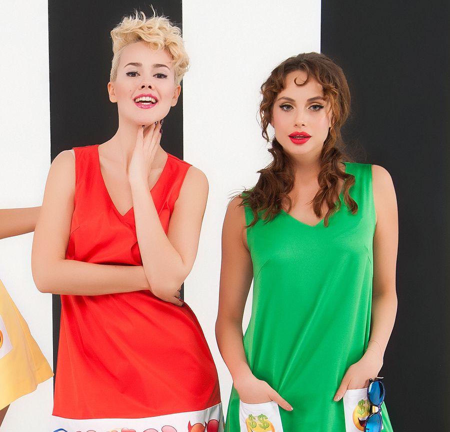 Real O позируют в мини-платьях