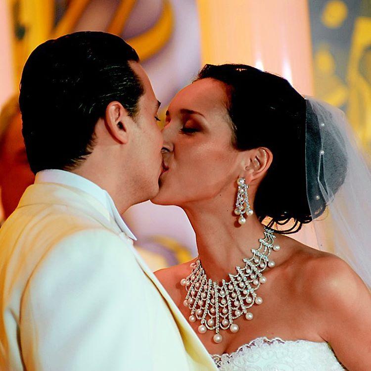 Алсу и ее муж отметили 10-летие со дня свадьбы