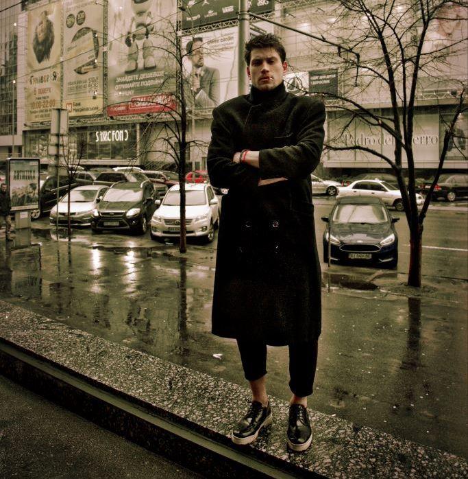 Дима Каднай полностью разделся в новом клипе