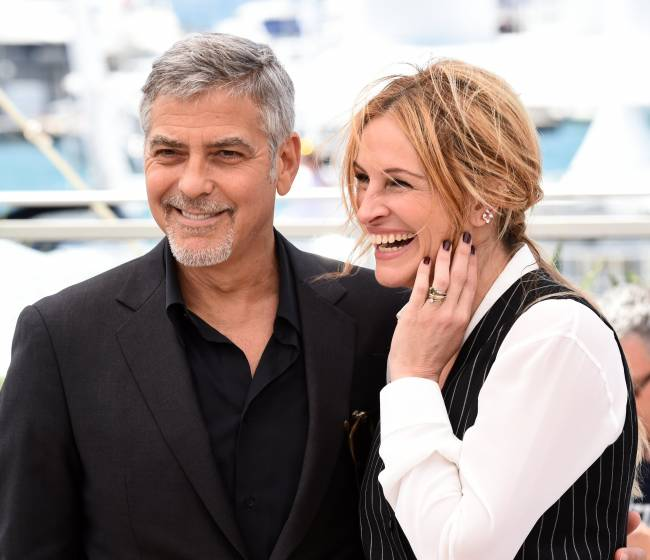 Звездные друзья: Джулия Робертс и Джордж Клуни покоряют публику на фотоколле в Каннах